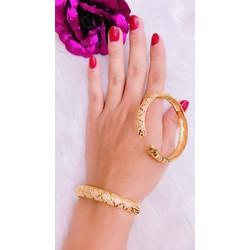 vòng tay nữ xoàn màu vàng 18k