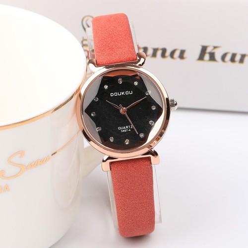Đồng hồ nữ DOUKOU dây da lộn mặt vát 3D thời trang DK4407 - 4090769 , 10200553 , 15_10200553 , 410000 , Dong-ho-nu-DOUKOU-day-da-lon-mat-vat-3D-thoi-trang-DK4407-15_10200553 , sendo.vn , Đồng hồ nữ DOUKOU dây da lộn mặt vát 3D thời trang DK4407