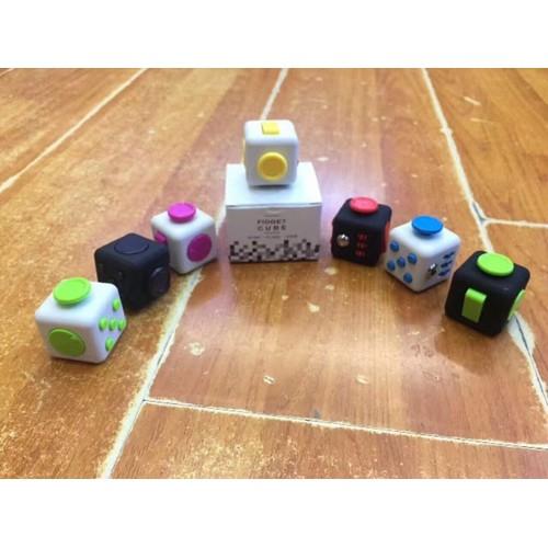 Con quay giảm stress Fidget Cube cuber - 4088763 , 10197686 , 15_10197686 , 20000 , Con-quay-giam-stress-Fidget-Cube-cuber-15_10197686 , sendo.vn , Con quay giảm stress Fidget Cube cuber