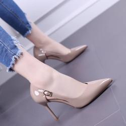 Giày cao gót thời trang mùa hè