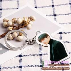 Móc khóa bts jungkook - hình trong love yourself tear - thấy 2 mặt