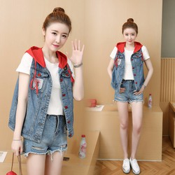 Áo khoác jeans nữ xách nách phối nón đỏ vô cùng phong cách