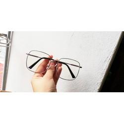 kính mắt giả cận