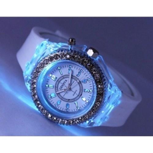 Đồng hồ geneva led phát sáng 7 màu