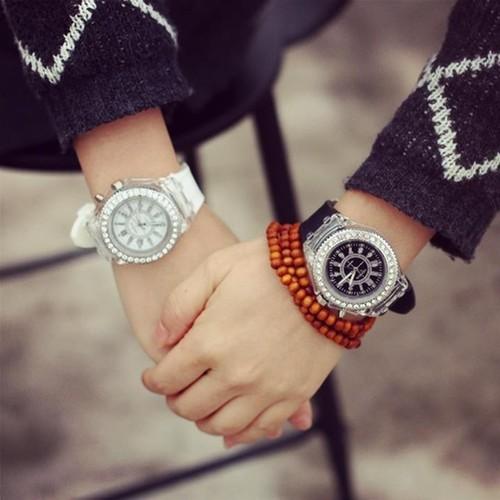 Đồng hồ geneva phát sáng tuyệt đẹp dành cho cả nam và nữ