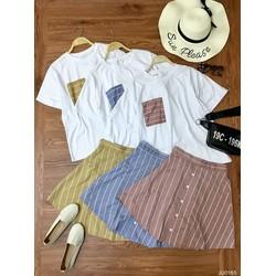 Set áo phông phối túi và chân váy kẻ sọc đính nút