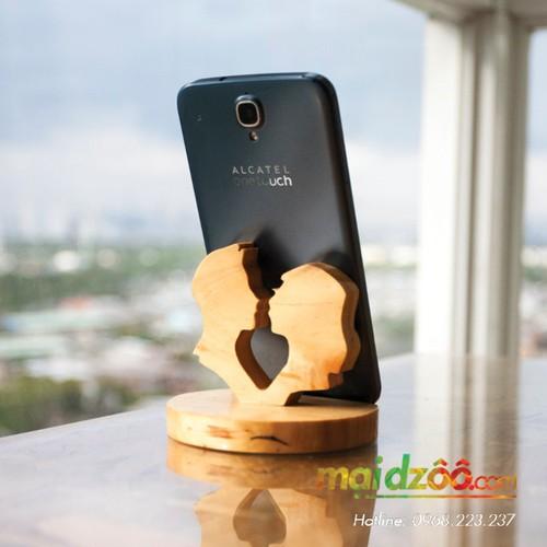 Đế gỗ để điện thoại iPad TRÁI TIM 3