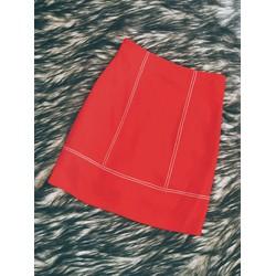 Chân váy đỏ hai sọc cực xinh