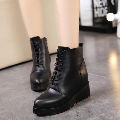 Giày boot nữ độn đế cột dây trẻ trung