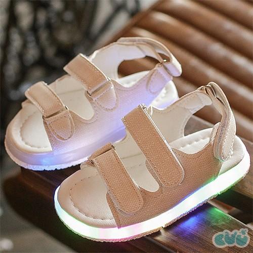 Sandal bé trai có đèn sáng màu trắng