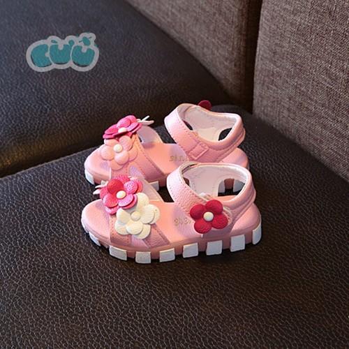 Sandal bé gái gắn hoa màu hồng - 4214091 , 10379962 , 15_10379962 , 160000 , Sandal-be-gai-gan-hoa-mau-hong-15_10379962 , sendo.vn , Sandal bé gái gắn hoa màu hồng