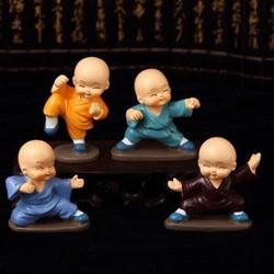 Bộ 4 chú tiểu múa võ