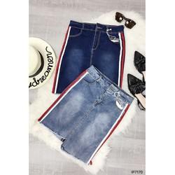 - Chân váy jeans ôm viền sọc hông