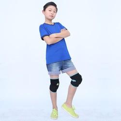 Đai bảo vệ đầu gối cho trẻ em an toàn khi chơi thể thao