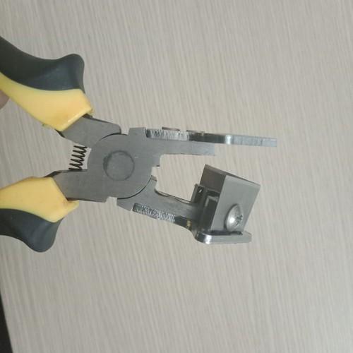 Kìm bấm  gioăng 90 độ , kìm cắt cao su cửa nhựa