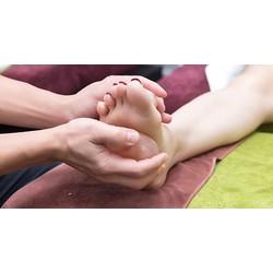 99k trải nghiệm dịch vụ Foot Massage đẳng cấp tại Mediwell Clinic  Spa