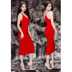 Đầm Ngọc Trinh ôm body kiểu cổ U hở lưng