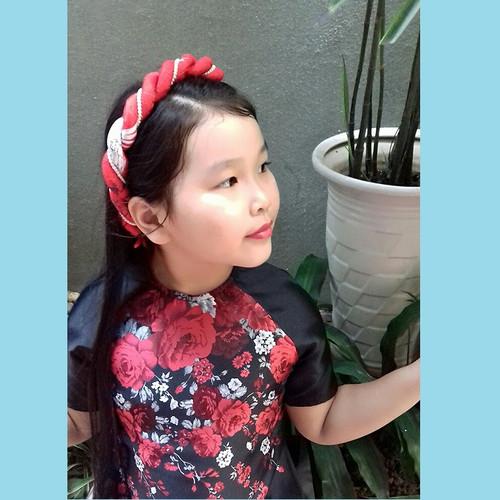 Mấn đội đầu bé gái kết hợp áo dài