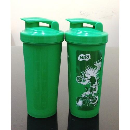 2 ly nhựa nắp bật 600ml Milo xanh lá v592