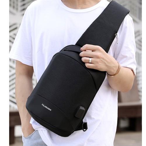 Túi Đeo Chéo Nam Cao Cấp Hàn Quốc - Có Sạc USB, Lỗ Tai Nghe