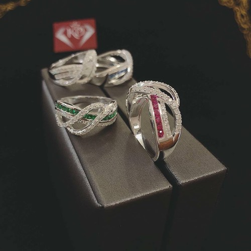 Nhẫn bạc nữ đeo ngón giữa