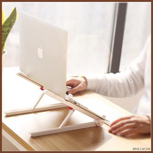 Kệ máy tính để bàn