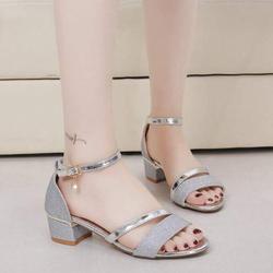 Giày sandal cao gót sang chảnh