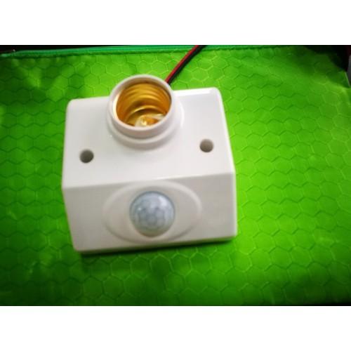 Đui đèn cảm ứng hồng ngoại tự động bật tắt