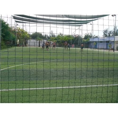 Lưới quây chắn sân bóng đá - giá 10k m2 sợi cước pe bền 5 năm