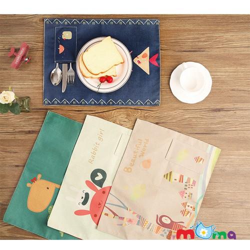 Tấm khăn vải lót bàn ăn cho bé hình hoạt hình có túi đưng dụng cụ ăn
