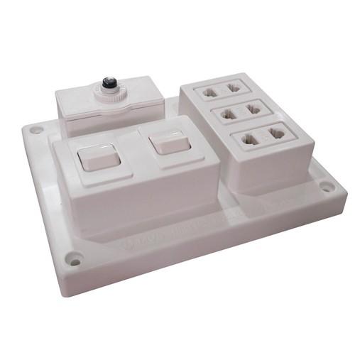 Bảng điện nổi LiOA 15A 3 ổ cắm 2 công tắc B-CB15A2C