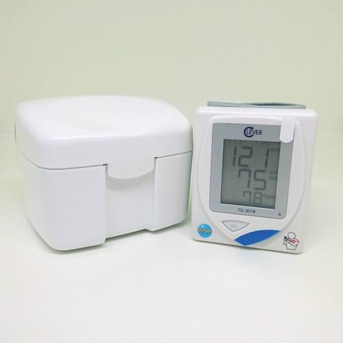 Máy đo huyết áp cổ tay | Huyết Áp Tự Động Clever Check