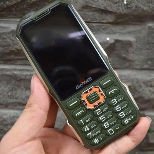 Điện thoại 3 sim 3 sóng land rover t19