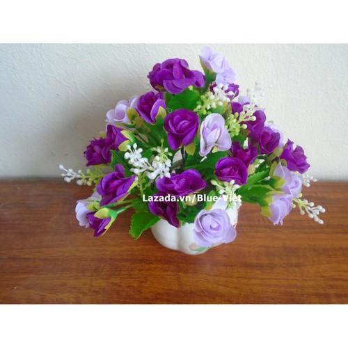 Chậu hoa giả màu tím để bàn nhỏ xinh