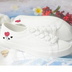 Giày vải nữ in hình trái tim