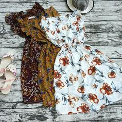Đầm hoa tay bèo