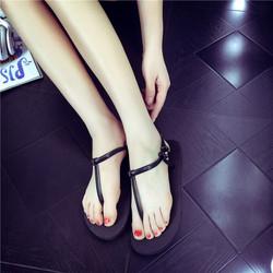 Giày Sandal nhựa đi mưa