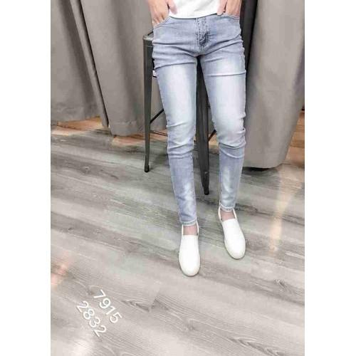 Quần jeans wash bạc màu thời trang