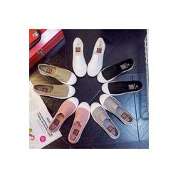 Giày đế xuồng nữ chất kiệu vải kaki thô, đi rất êm chân.
