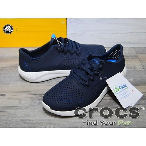 Giày nhựa chống hôi chân crocs. literide pacer cho nam màu xanh đen