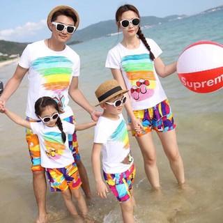 Combo 4 bộ đồ đi biển đẹp sang chảnh cho gia đình - Combo4 quần đa sắc cam áo dép thumbnail