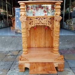 Bàn thờ thần tài ông địa gỗ xoan ngang 56 cm quỳ trụ điện tử