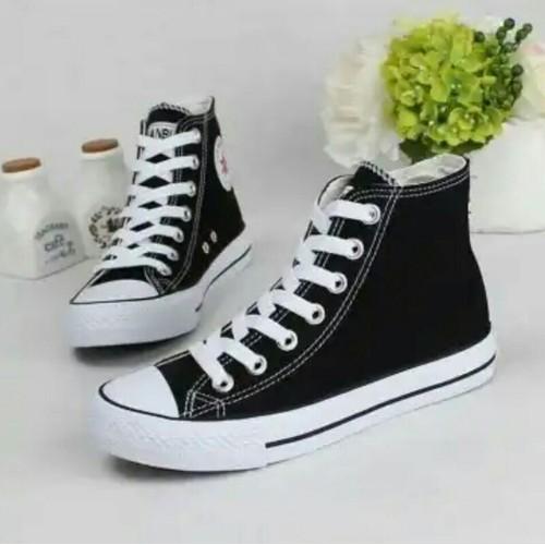 giày nữ cao cổ classic đen trắng -tặng tất Tim phong các hàn quốc - 10578845 , 11219882 , 15_11219882 , 155000 , giay-nu-cao-co-classic-den-trang-tang-tat-Tim-phong-cac-han-quoc-15_11219882 , sendo.vn , giày nữ cao cổ classic đen trắng -tặng tất Tim phong các hàn quốc