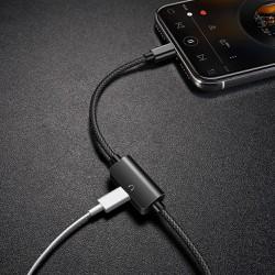 Cáp sạc iPhone, iPad kiêm jack tai nghe lightning