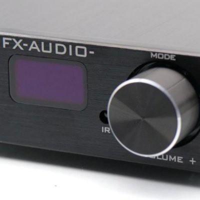 nút âm lượng và màn hình