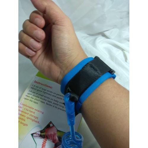 Dụng cụ đeo tay tránh trẻ đi lạc cực an toàn
