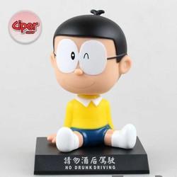 Mô hình Nobita lắc đầu - Áo Vàng
