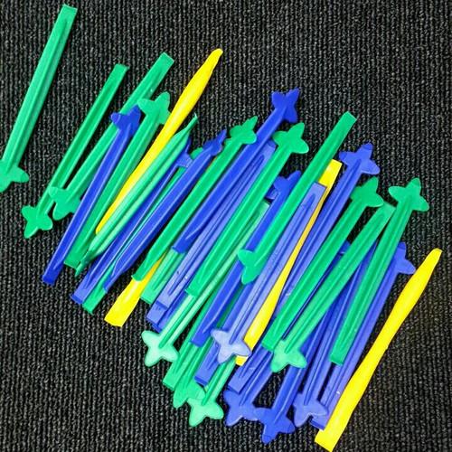 2 cây nậy nhựa tách vỏ ĐT