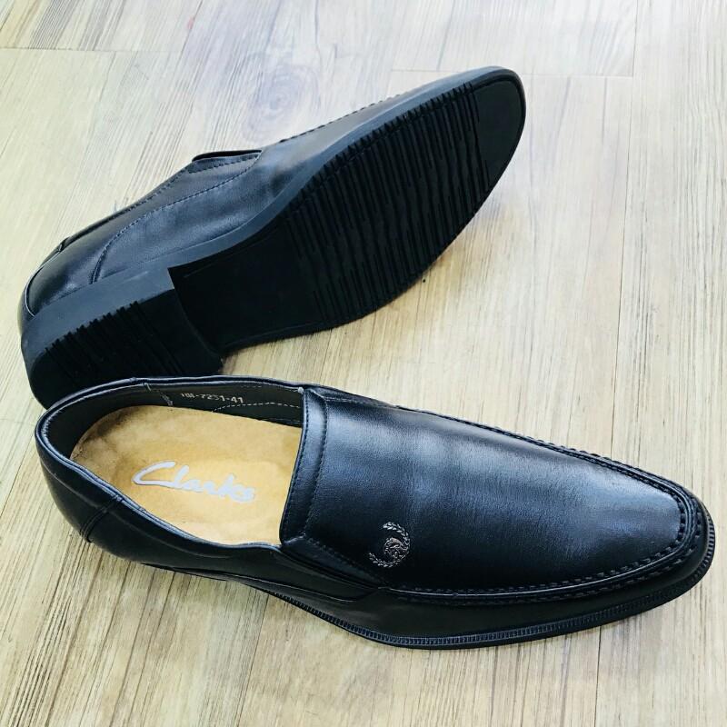 Giày Mọi Đế Tây CLARKS HN 7231 đen 5
