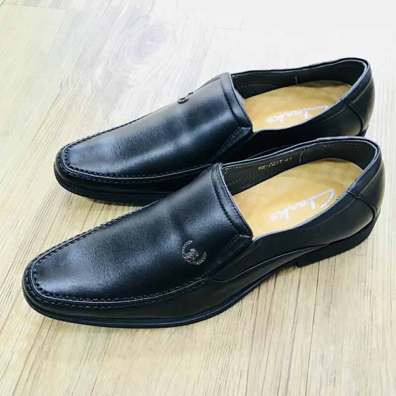 Giày Mọi Đế Tây CLARKS HN 7231 đen 1